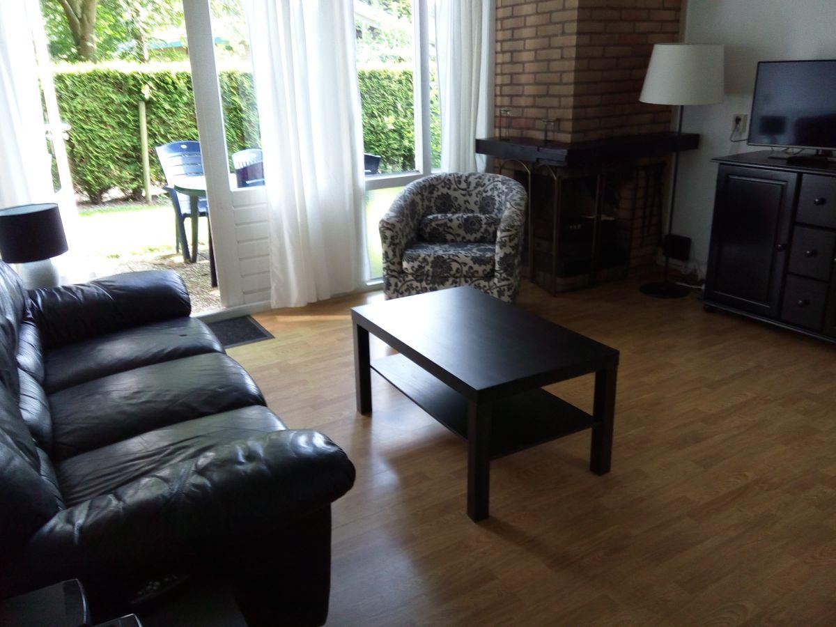 bungalow standard andijk frau brigitte licht. Black Bedroom Furniture Sets. Home Design Ideas