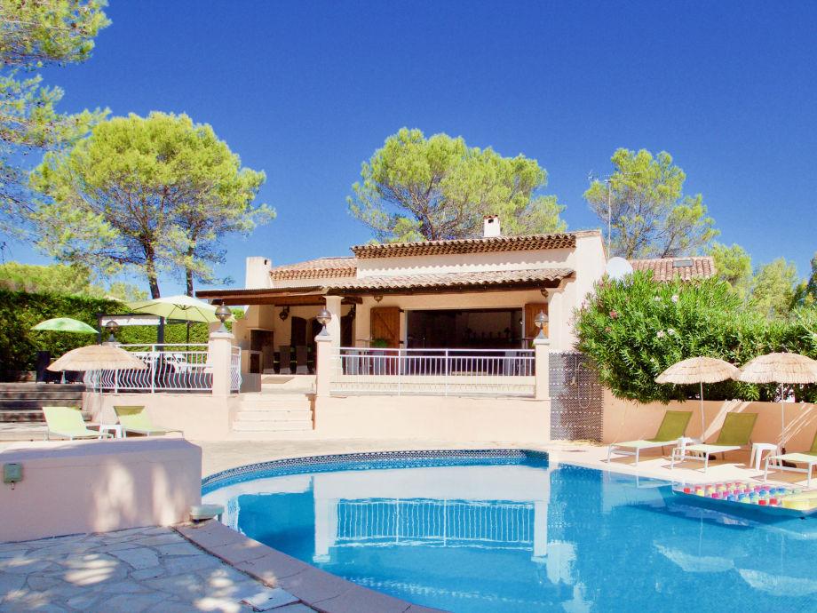 Die Villa Cigales mit privatem Pool