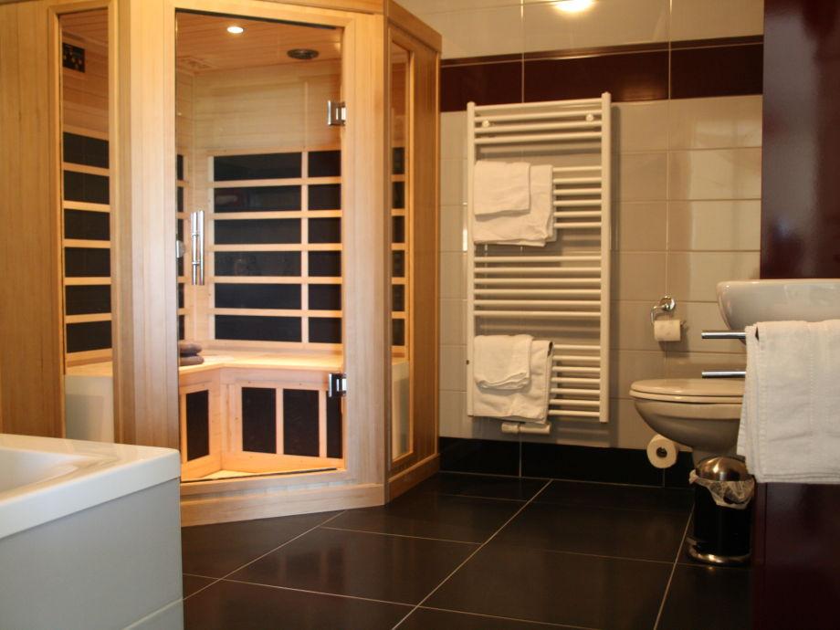 Ferienwohnung appartement eldeufer mecklenburg luftkurort plau am see frau jeanette erdmann - Sauna whirlpool ...