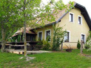 Ferienwohnung Vineyard Cottage Na Bukovju