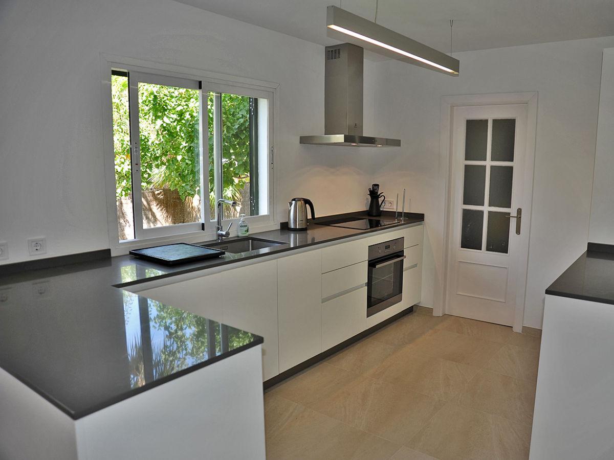 poolvilla calvia id 2691 mallorca calvia firma mallorca ferienwohnungen ug. Black Bedroom Furniture Sets. Home Design Ideas