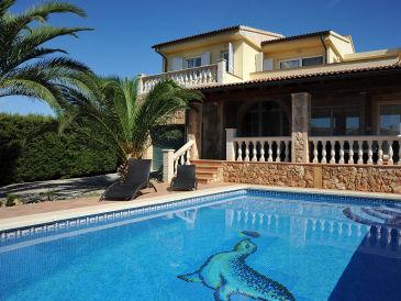 Ferienhaus Schick mit Pool ID 2263
