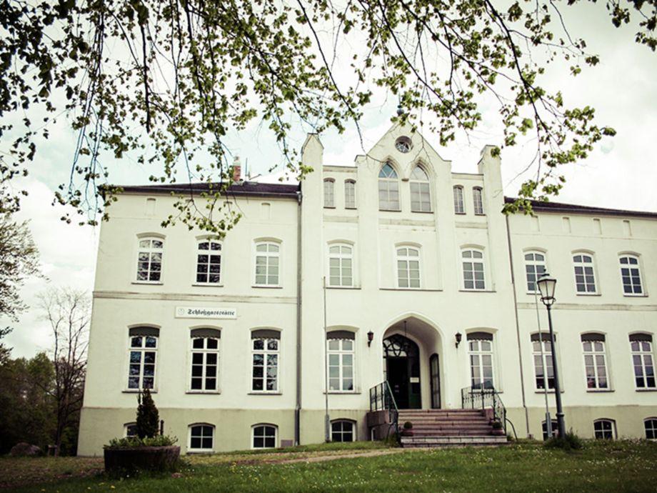 """Außenaufnahme Kleines Schloss """"Lotte"""""""