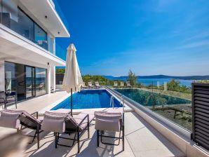 Traum schlafzimmer mit pool  Ferienhäuser & Ferienwohnungen mit Pool an der Kvarner-Bucht ...