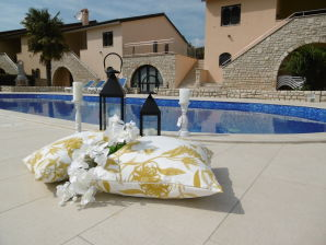 Holiday house Casa Natura with swimming pool
