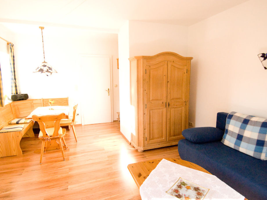ferienwohnung wetterstein im haus buckelwiesen oberbayern familie k gl. Black Bedroom Furniture Sets. Home Design Ideas