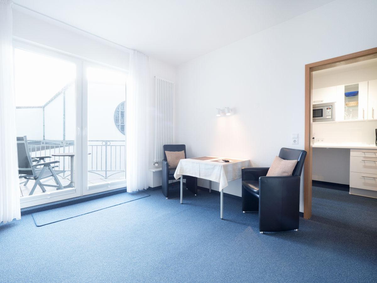 Großzügig Wohn Und Schlafzimmer In Einem Raum Galerie - Heimat Ideen ...