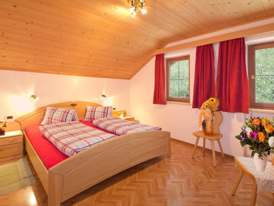 Ferienwohnung bauernhof al cir dolomiten gadertal - Panoramabild schlafzimmer ...