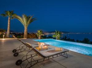 Villa Elyzeum mit beheiztem Pool
