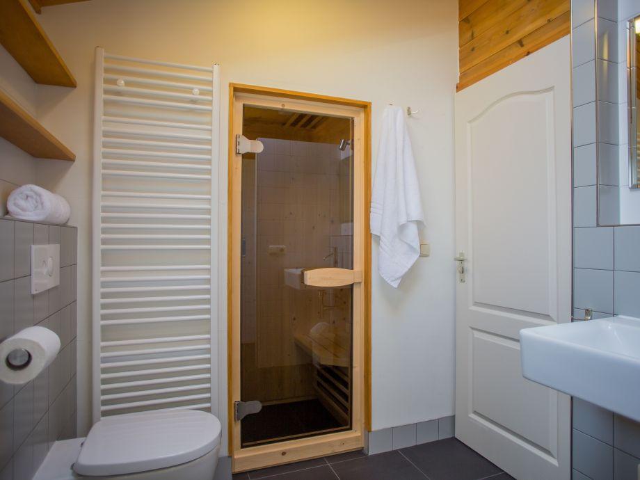 bungalow de riesen terschelling firma terschelling recreatie de riesen herr melis de vries. Black Bedroom Furniture Sets. Home Design Ideas