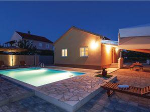 Ferienwohnung Holiday House Murvica