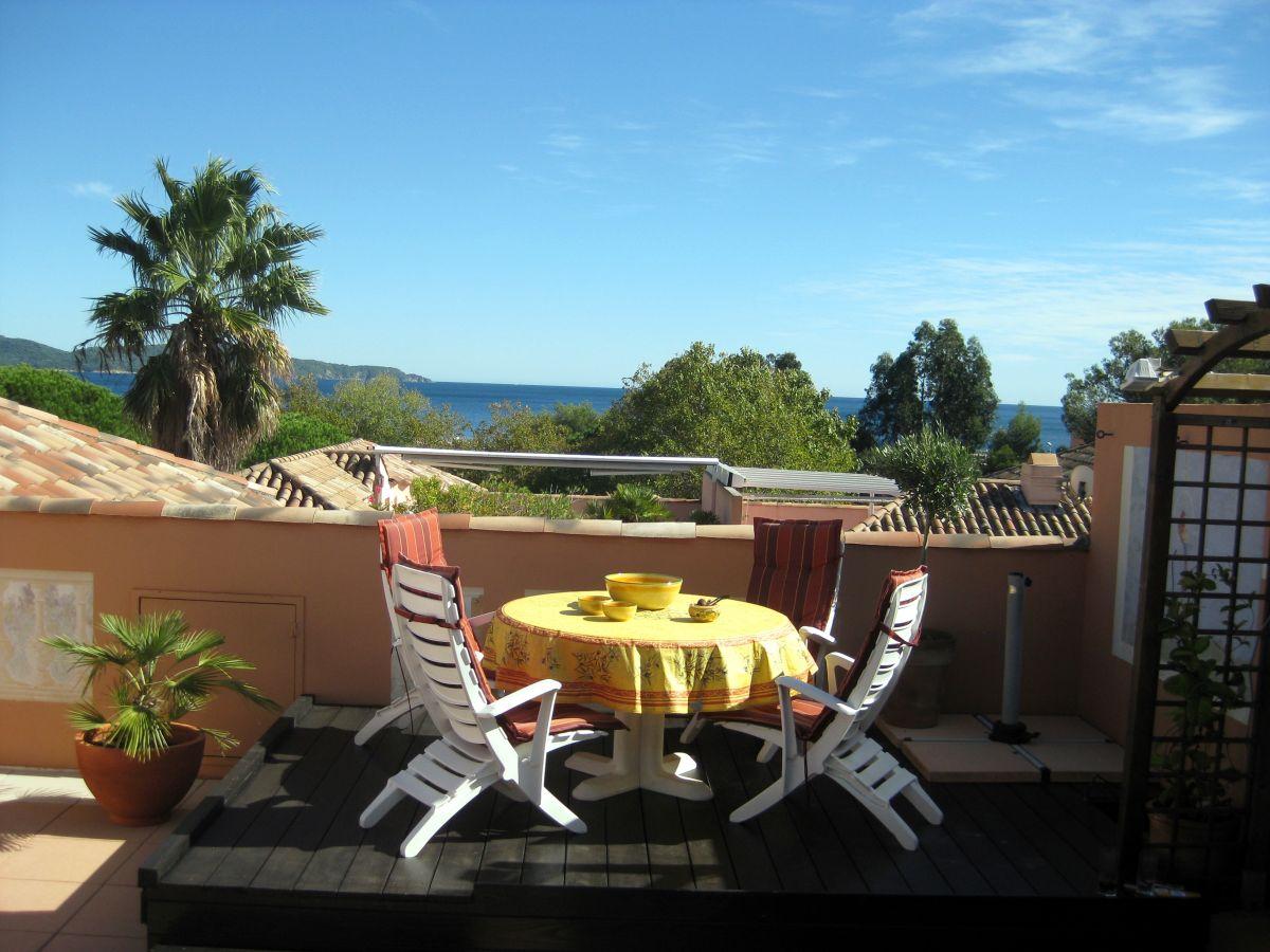 Outdoor Küche Dachterrasse : Ferienwohnung belle terrasse cavalaire sur mer herr jörg sahre