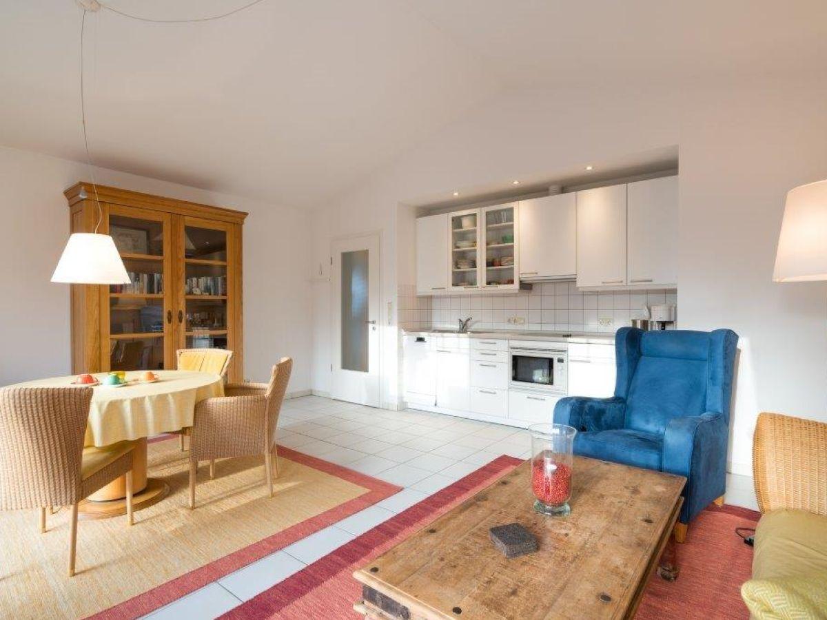 ferienwohnung sch ner wohnen im ortsteil bad halbinsel eiderstedt firma appartements in st. Black Bedroom Furniture Sets. Home Design Ideas