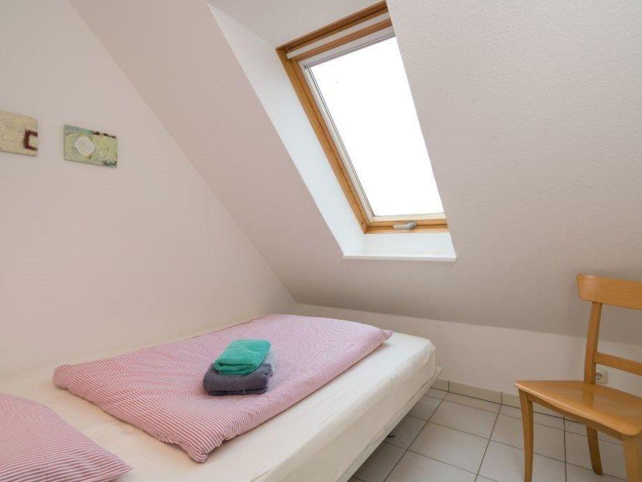 ferienwohnung sch ner wohnen im ortsteil bad halbinsel. Black Bedroom Furniture Sets. Home Design Ideas