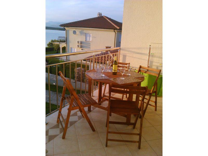 Ferienwohnung Nr. 6 in der Villa Klimno direkt am Strand