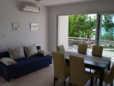 Ferienwohnung Nr. 3 in der Villa Klimno direkt am Strand