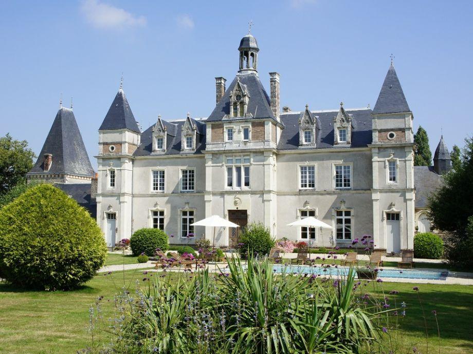 Château de Launay - Hauptschloss mit Pool