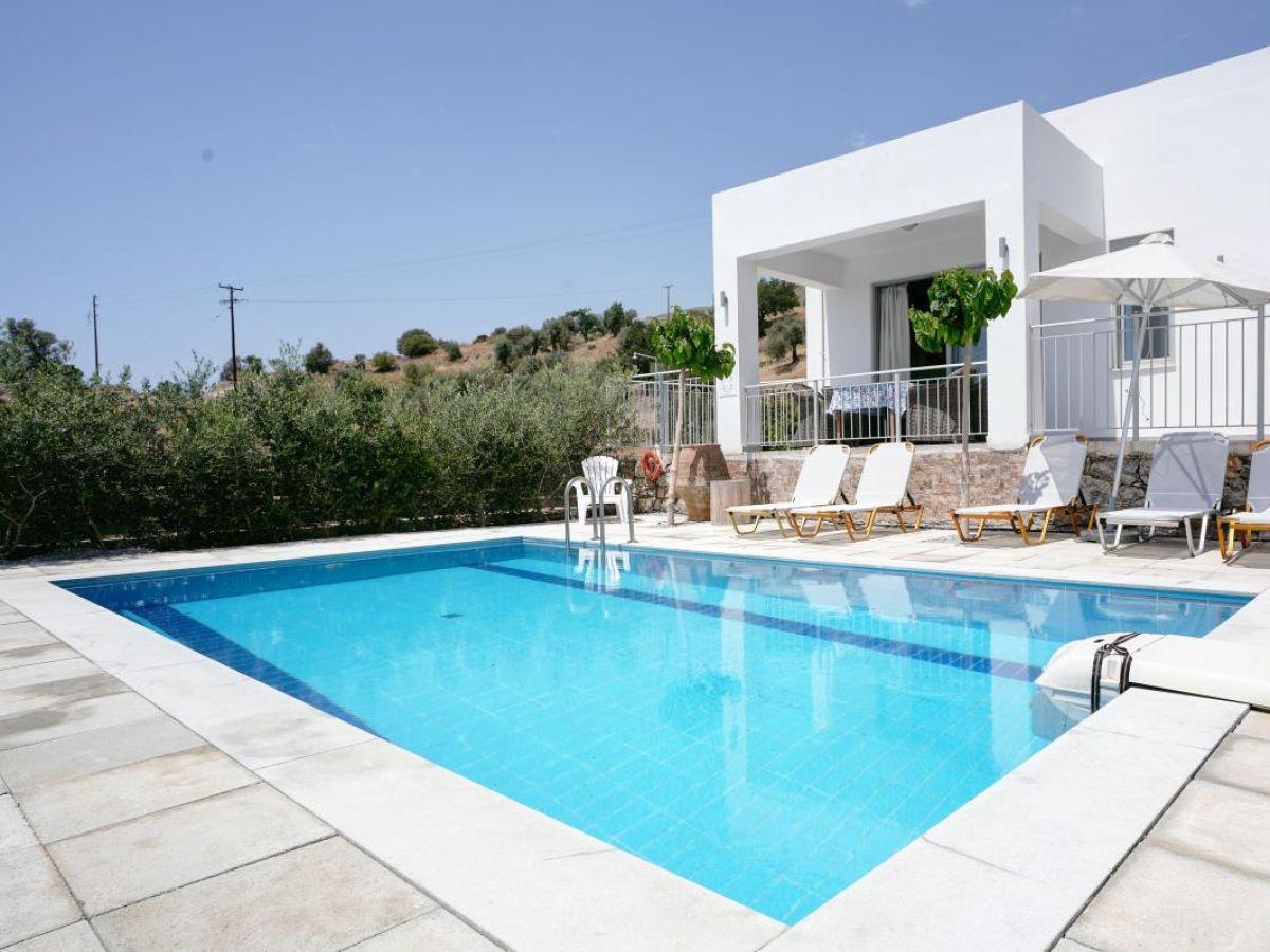 ferienhaus noro villa 1 kreta s d k ste firma fewollorca gmbh. Black Bedroom Furniture Sets. Home Design Ideas