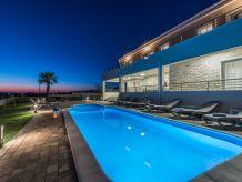 Atemberaubende NEUE Villa mit privatem Pool