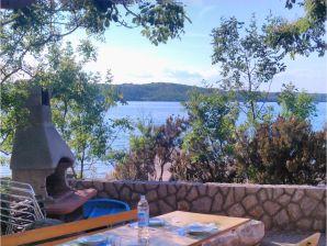 Ferienwohnung Nr. 1 in der Villa Klimno direkt am Strand