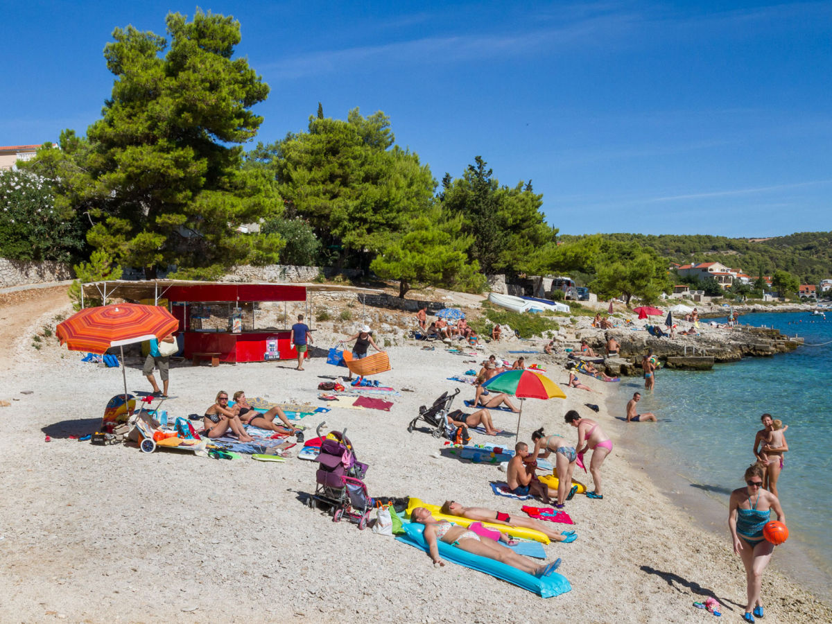 ferienwohnung deluxe 1 okrug gornji trogir dalmatien kroatien firma online croatia d o o. Black Bedroom Furniture Sets. Home Design Ideas