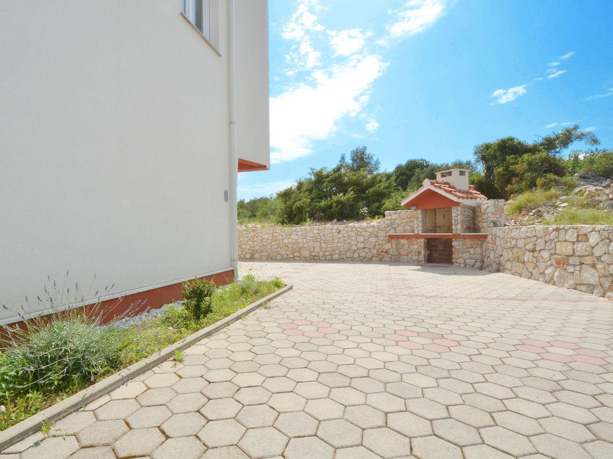 ferienwohnung look 1 okrug gornji trogir dalmatien kroatien firma online croatia d o o. Black Bedroom Furniture Sets. Home Design Ideas