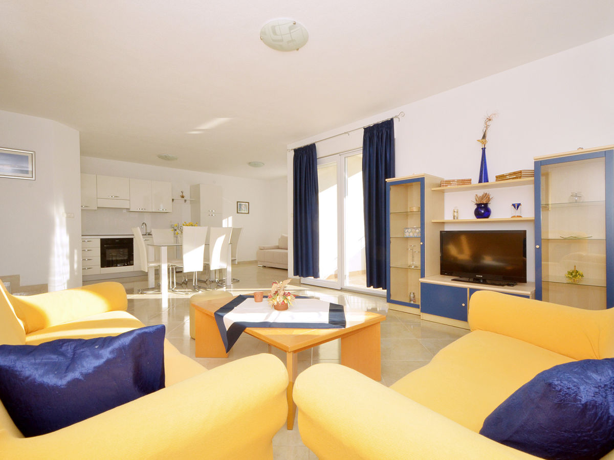 ferienwohnung look 2 okrug gornji firma online croatia d o o frau maja cupic. Black Bedroom Furniture Sets. Home Design Ideas