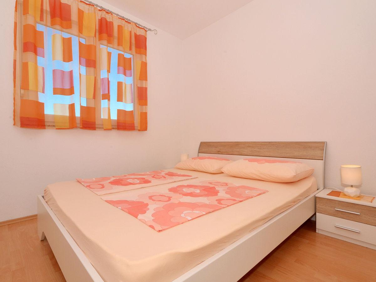 ferienwohnung look 2 okrug gornji firma online croatia d o o frau maja cupic. Black Bedroom Furniture Sets. Home Design Ideas