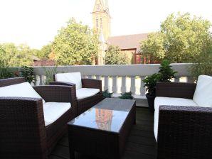 Ferienwohnung 110 m² Altbau Schanze mit Kamin und Balkon