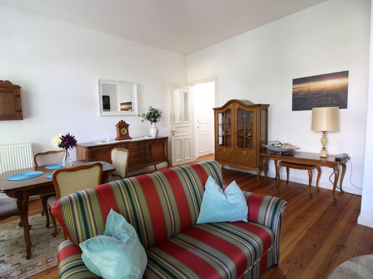 ferienwohnung im herzen von st georg 80 m balkon hauptbahnhof hamburg firma help2rent. Black Bedroom Furniture Sets. Home Design Ideas