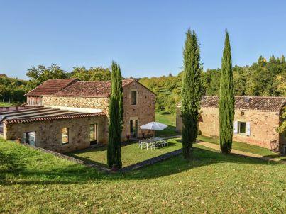 La double maison avec piscine intérieure