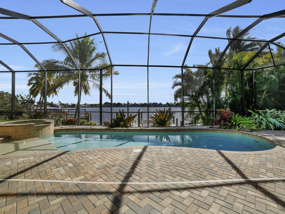 ferienhaus villa benny s dliche golfk ste cape coral. Black Bedroom Furniture Sets. Home Design Ideas