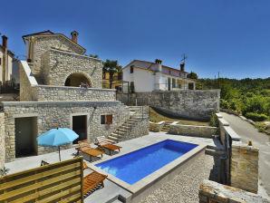 Villa Beram
