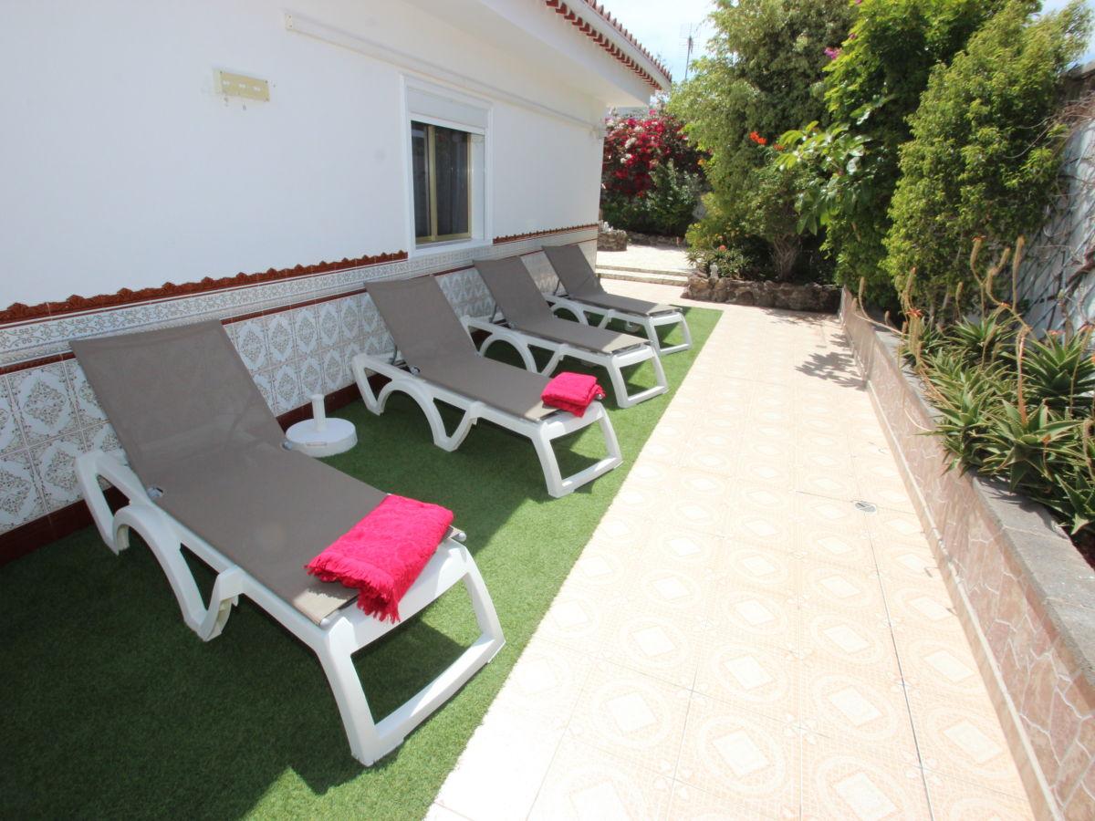 villa akazia callao salvaje frau anna del castillo. Black Bedroom Furniture Sets. Home Design Ideas