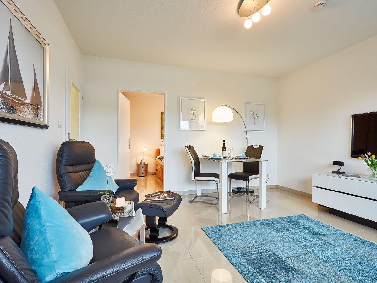 schicke 2 zi ferienwohnung sylt arrive am dorfteich sylt firma mrm gmbh ferienwohnungen. Black Bedroom Furniture Sets. Home Design Ideas