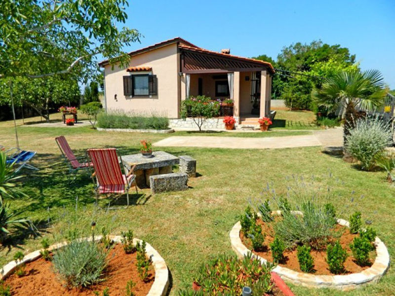 Holiday house Manda for 2-4 with garden