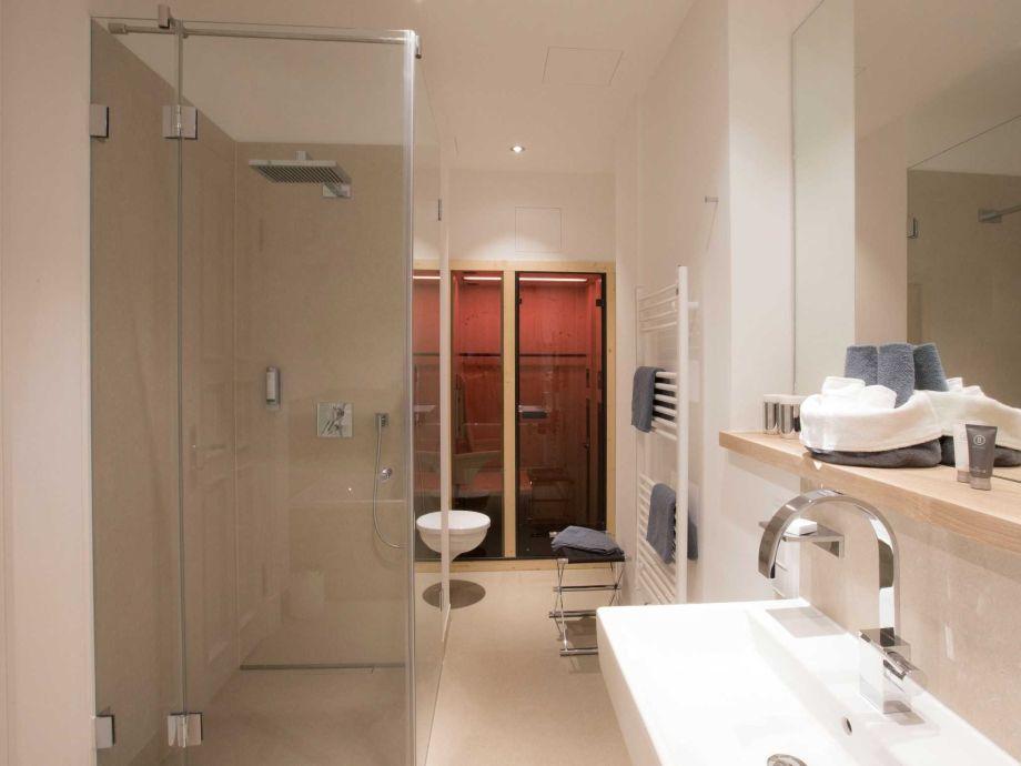 ferienwohnung east cloud in der villa first direkt am hochufer ostsee r gen firma uhlendorf. Black Bedroom Furniture Sets. Home Design Ideas