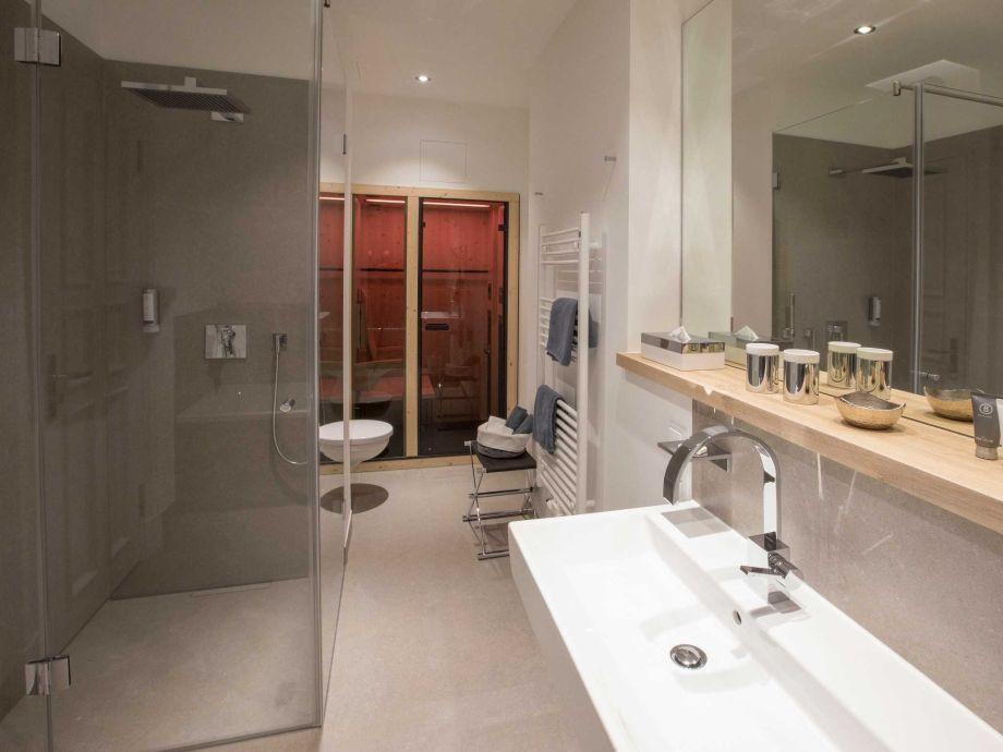 ferienwohnung summerbreeze in der villa first direkt am hochufer ostsee r gen firma. Black Bedroom Furniture Sets. Home Design Ideas