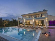 Villa - No title -