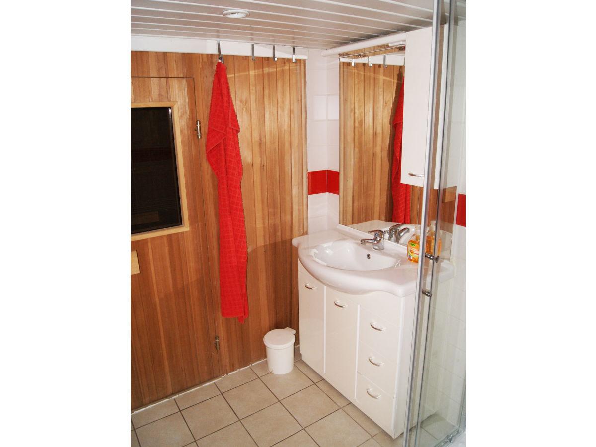 ferienhaus sakowski mecklenburgische seenplatte firma wenstrat ug herr wenslowski. Black Bedroom Furniture Sets. Home Design Ideas