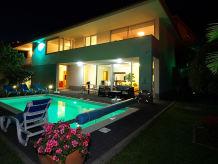 Villa Golden Villa