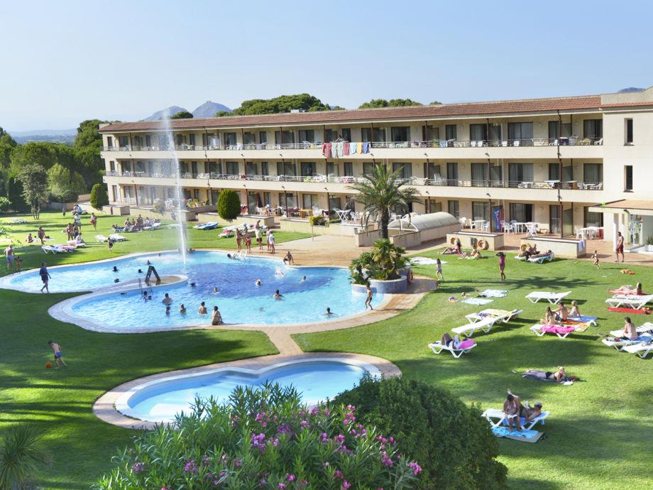 Pool und Garten Aparthotel Golf Beach