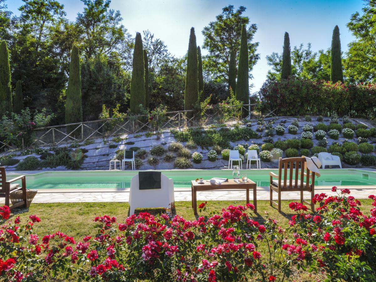 villa roncaglia 7 marche firma marcheholiday frau. Black Bedroom Furniture Sets. Home Design Ideas