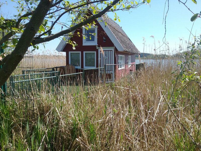 Ferienhaus Bootshaus direkt am See mit eigenem Steg