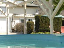 Ferienwohnung Fewo mit Swimmingpool