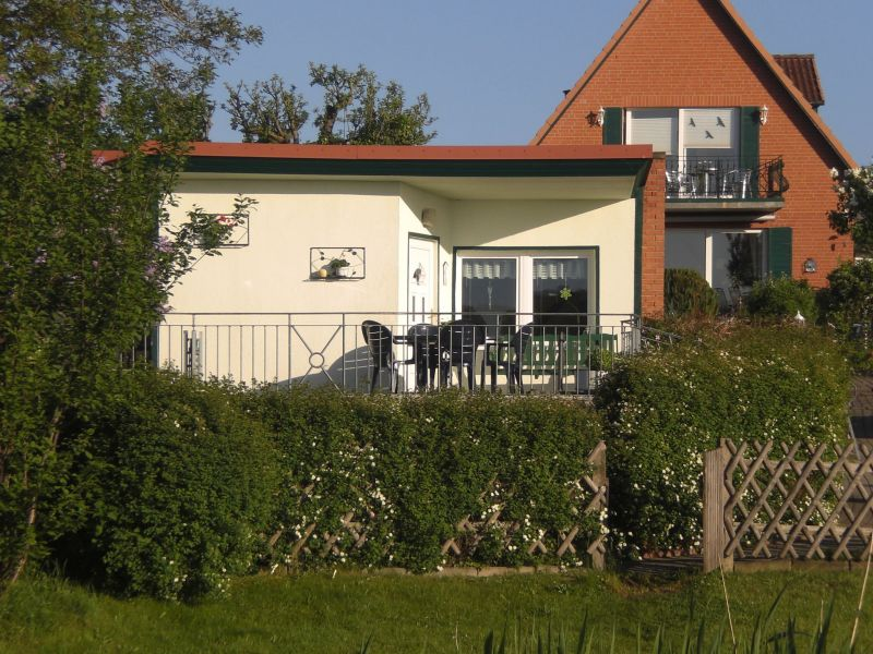 Ferienhaus Haus Am See mit Kamin und Bootssteg