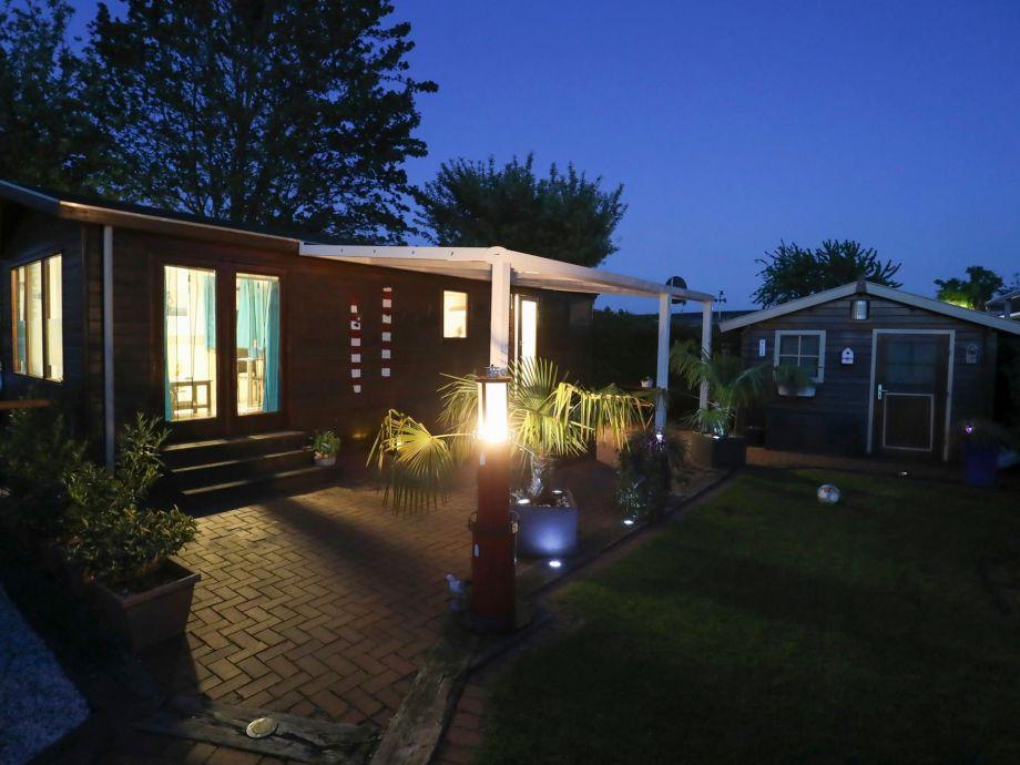 gemütliche Abende auf unserer überdachten Terrasse