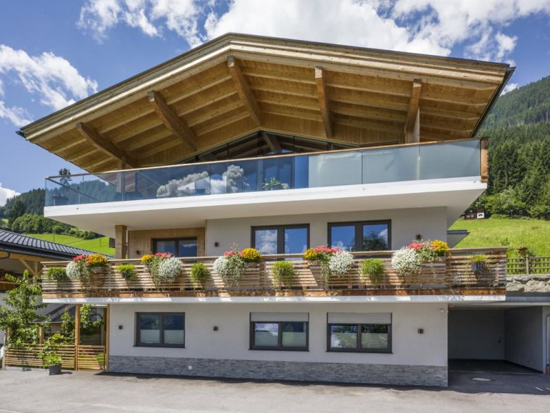 Holiday apartment Kristall in the Alpenchalet Zillertal