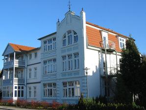 """Ferienwohnung """"Welle"""" im Ostsee-Domizil Sandburg"""