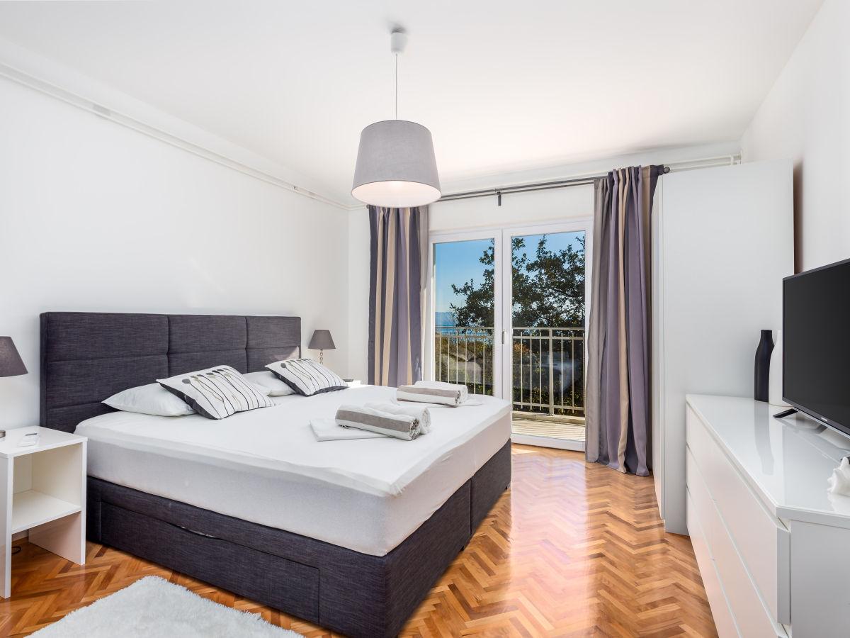 ferienhaus villa lovran kvarner bucht opatija istrien frau ana bobinac. Black Bedroom Furniture Sets. Home Design Ideas
